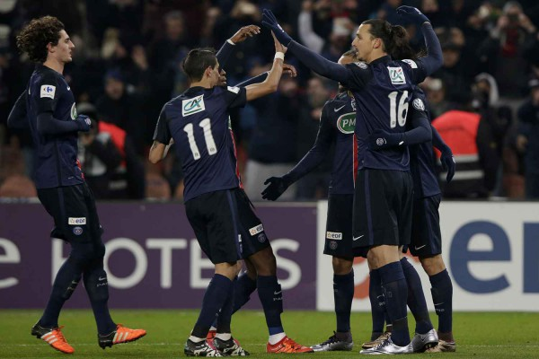 2048x1536-fit_celebrations-apres-but-zlatan-ibrahimovic-contre-toulouse-coupe-france-19-janvier-2016